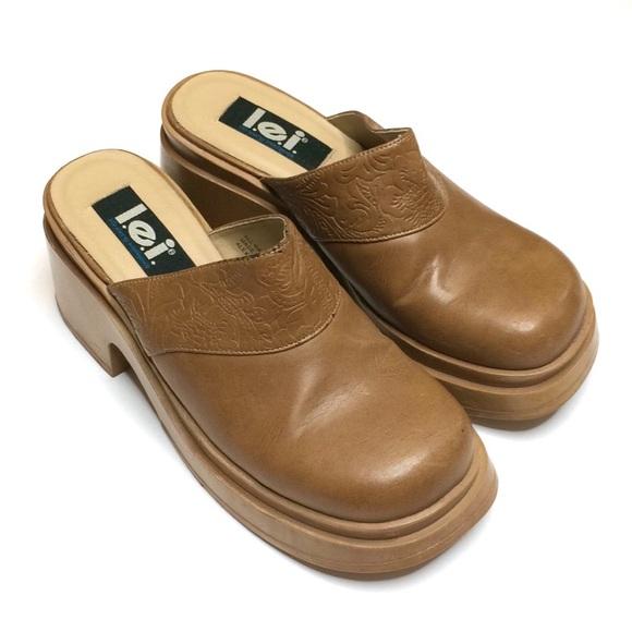 9e53663744d47 L.E.I. | y2k vintage tan platform clog mules